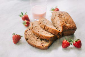 sliced-strawberry-bread-with-strawberry-milk